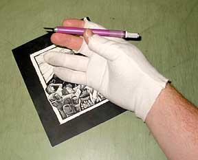 gloved_hand3